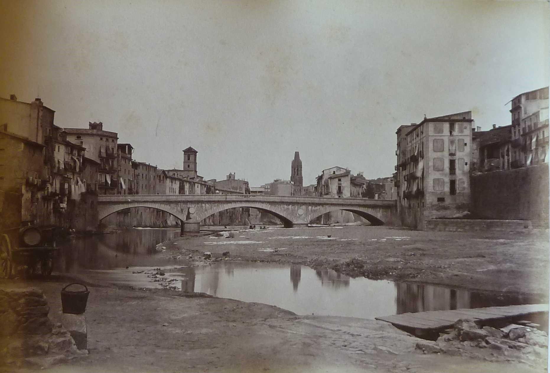 Pont de pedra de Girona inaugurat l'any 1856