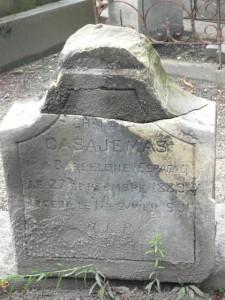 Tomb of Carles Casagemas. Courtesy Christine Pinault.