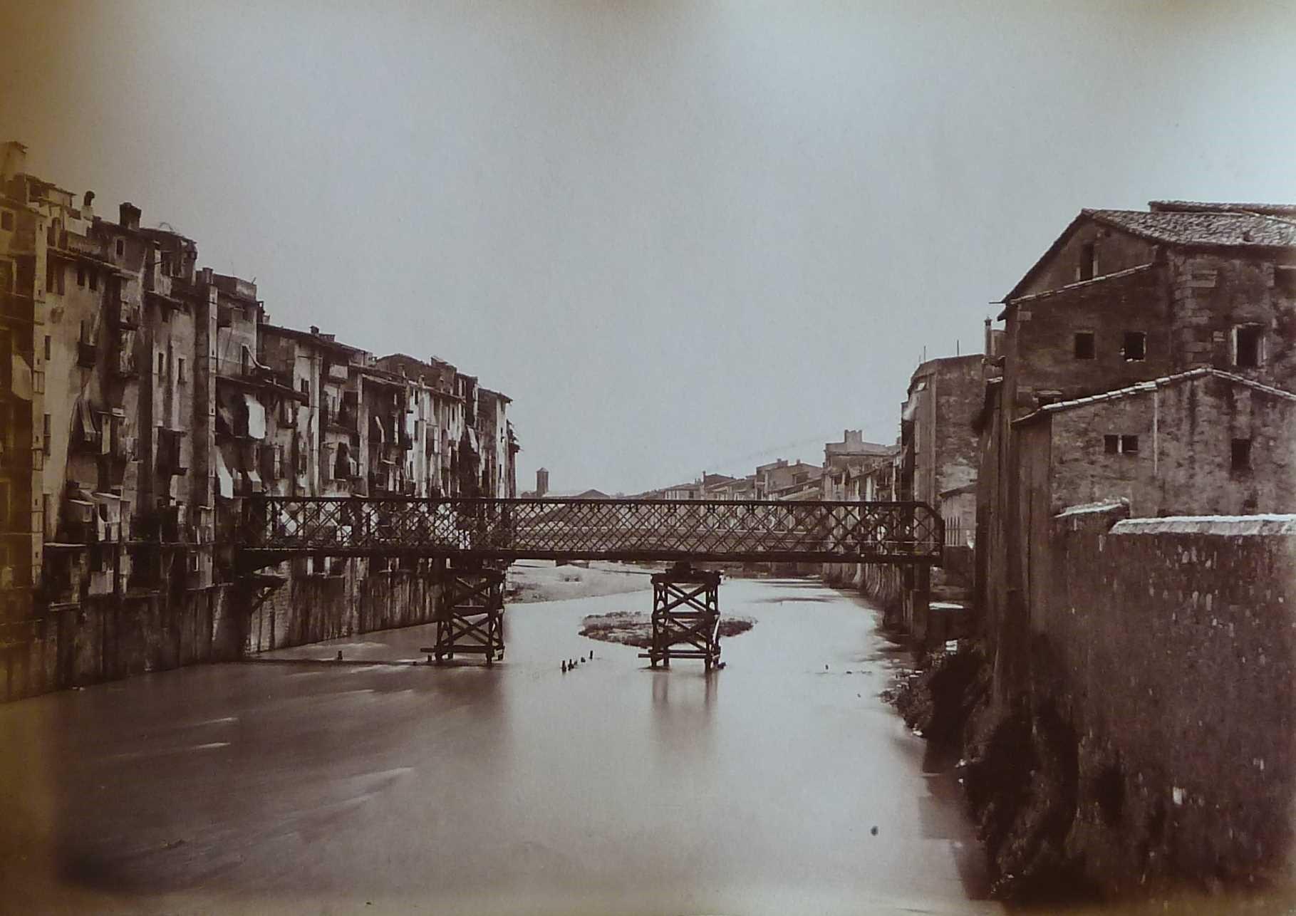 Puente de hierro inaugurado en 1877