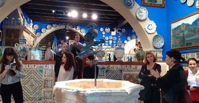Visitant Museu del Cau Ferrat a Sitges, amb la directora Vinyet Panyella
