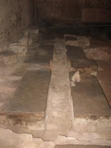 Bases de prensas en la excavación. Foto: Albert Estrada-Rius