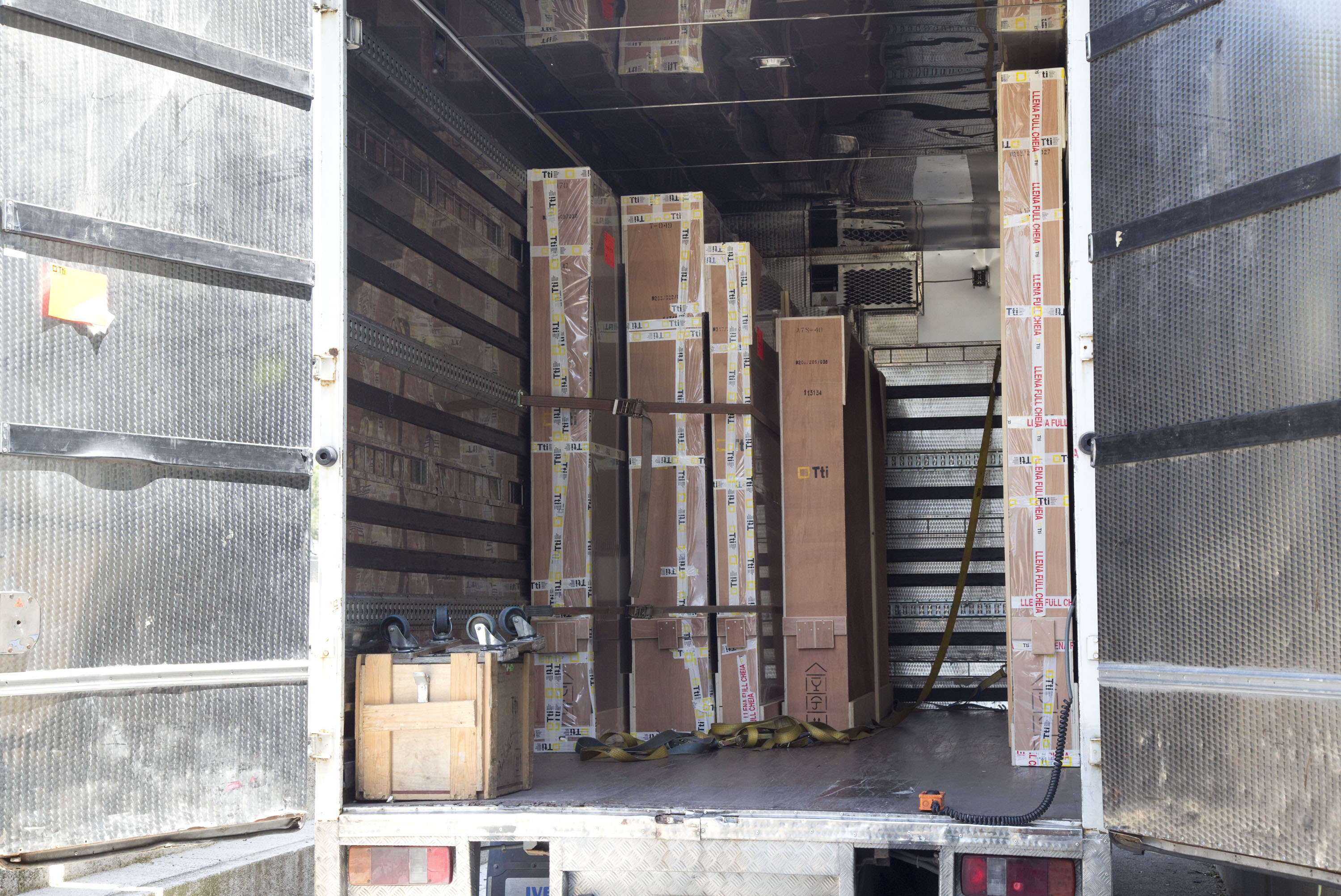 Anchorage of packaging in the truck to avoid vibrations