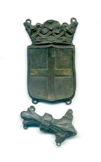 Detall de les dues úniques peces conservades procedents de les galteres originals