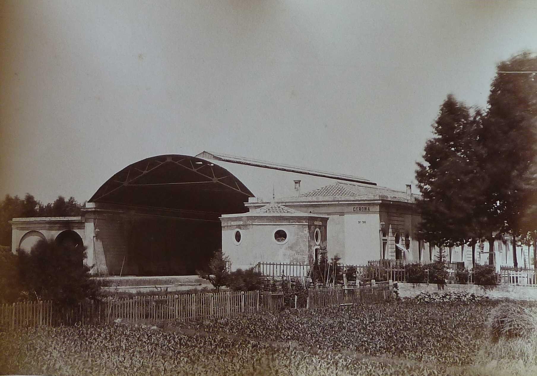 Estació de ferrocarril inaugurada l'any 1862