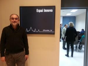 Alfons Cornella a punt per la xerrada al Museu Nacional