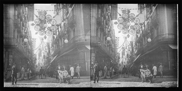 The decorations of Carrer Ferran for the festivities of La Mercè, 1902, designed by Jujol
