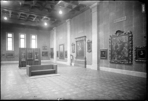Museografia del Museu d'Art Modern al Palau Nacional, 1934. Vista parcial de la Col·lecció Gil. AFB.