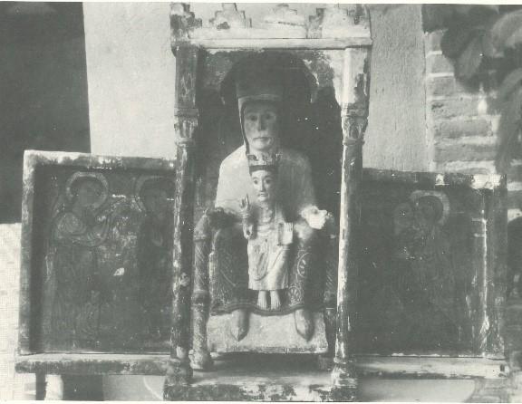 Edicle o templet de Sant Martí d'Envalls segons una fotografia antiga (Arxiu Mas)
