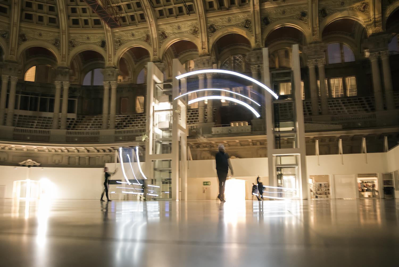 Entre dues ales, espectáculo de Èlia Llach en el Museu Nacional