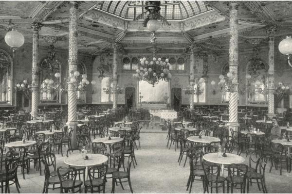"""Interior del saló del """"Gran Cafè"""". Imatge extreta de: Souvenir Gran Hôtel Colón. Fons: Biblioteca Joaquim Folch i Torres"""