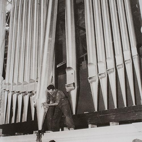 The organ in the Museu Nacional, unveiled in 1929 and enlarged with 2,500 pipes in 1955