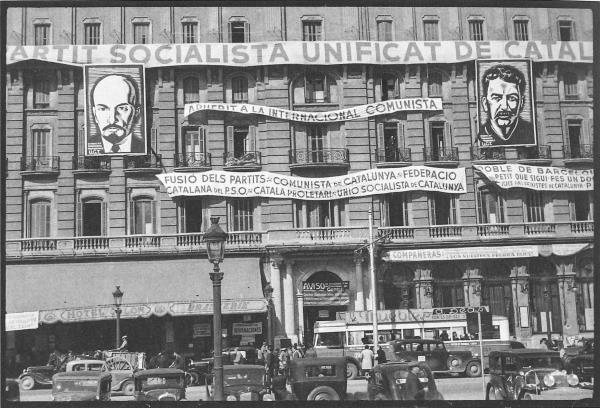 """Antoni Campañà. L'""""Hotel Colón"""" de la plaça Catalunya, seu del PSUC durant la Guerra Civil, 1936. Font: La Capsa vermella"""