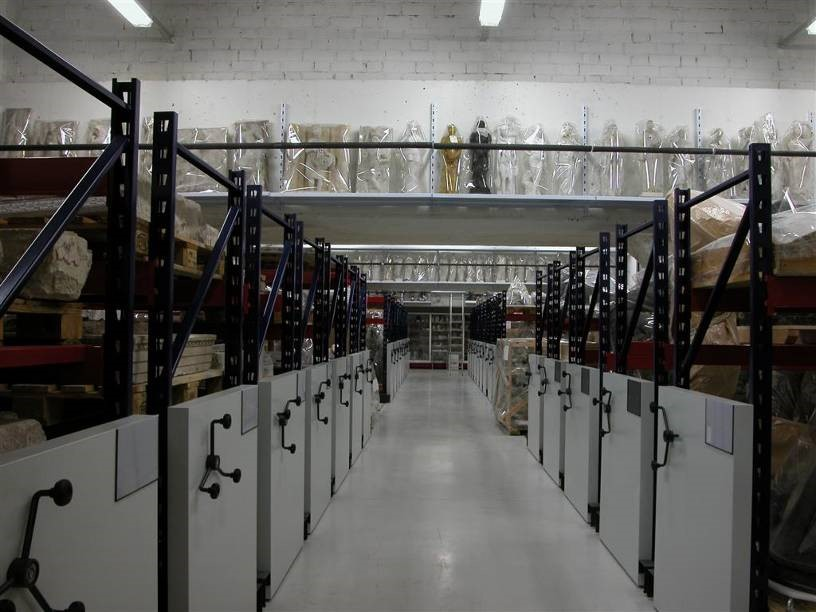The stone, plaster and bronze sculpture storeroom, after the renovation work on the Museu Nacional, in 2004