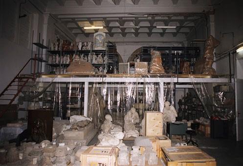 Reserva d'escultura de pedra, guix i bronze, abans de la remodelació del 2004
