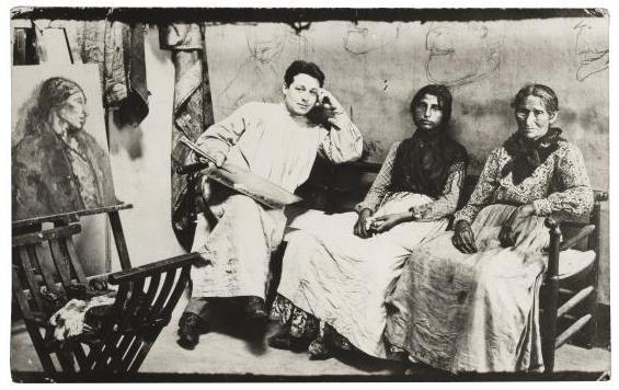 Joan Vidal Ventosa. Isidre Nonell al seu taller de Barcelona, amb dues de les seves models, c.1904. Biblioteca Popular Santiago Rusiñol, Sitges. Fons Miquel Utrillo