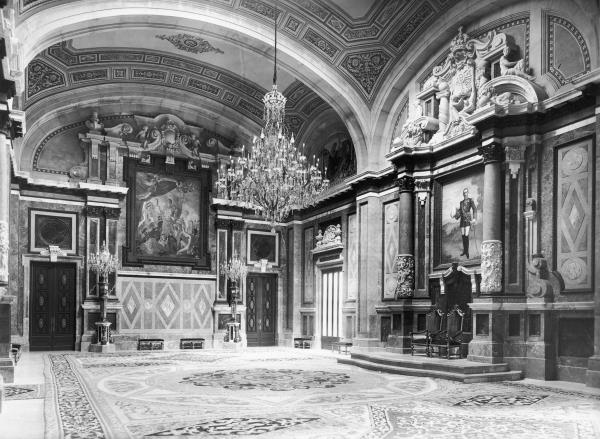 Partial view of the Throne Room, currently the museums's restaurant, where the decoration of the vaults with ornamental paintings may be appreciated