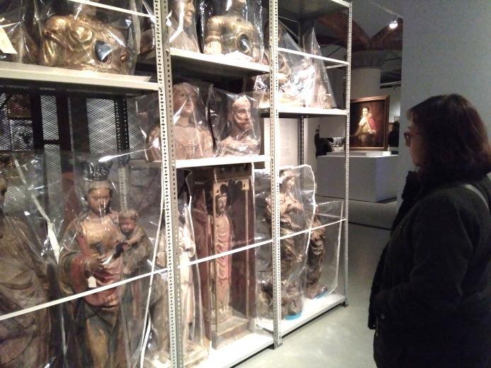 """A l'exposició """"Francesc Torres. La capsa entròpica [El museu d'objectes perduts]"""" al Museu Nacional"""