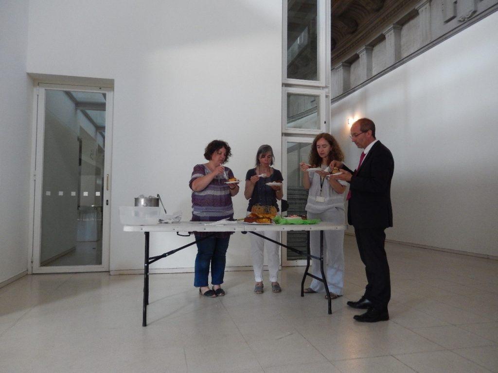 Deliberació del jurat del concurs de pastissos