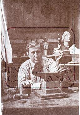 Pablo Gargallo al seu taller de l'Avenue du Maine de París (1928) © Fototeca.cat