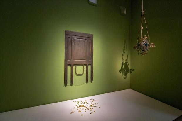 Joan Brossa. Capitomba, 1986 and  Josep Puig i Cadafalch. Hanging lamp with floral decoration, c. 1900