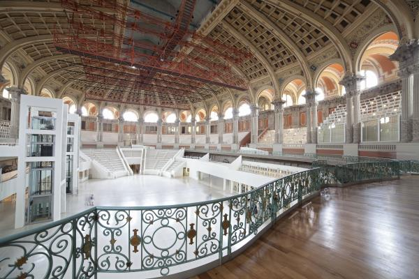 Oval Room, terrace and hall of the Palau Nacional